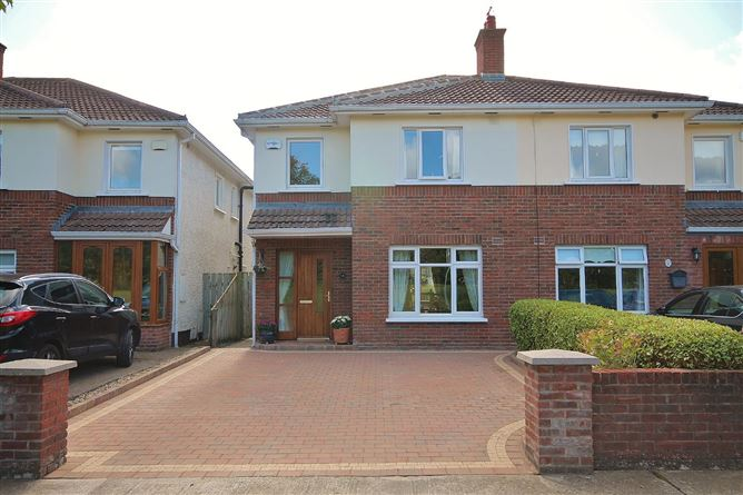 Main image for 5 Woodstown Lawn, Knocklyon, Dublin 16