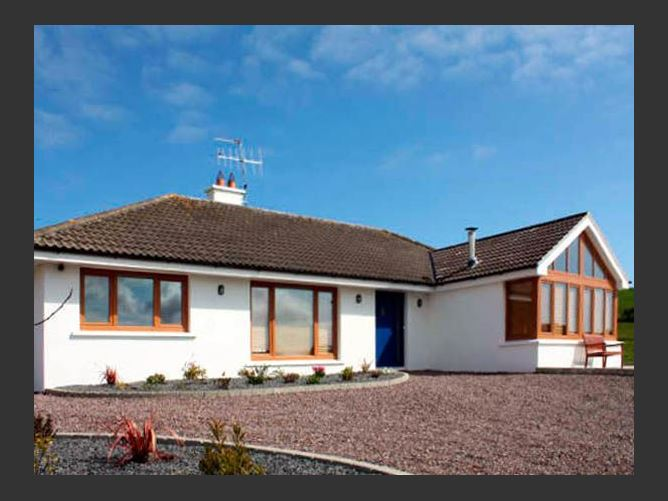 Main image for Lough Cluhir Cottage, UNION HALL, COUNTY CORK, Rep. of Ireland
