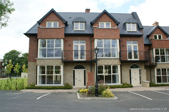 8 Saggart Lodge Court, Saggart, Dublin
