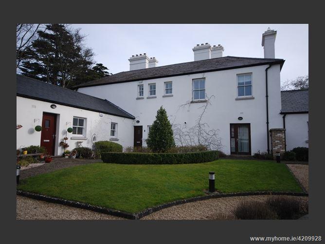 Coach House Square, Ballinteer, Dublin 16
