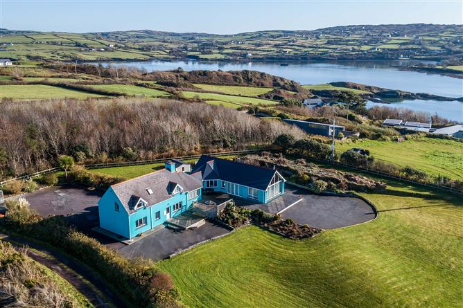 Main image for The Turquoise House, Reengaroga Island, Baltimore, Cork