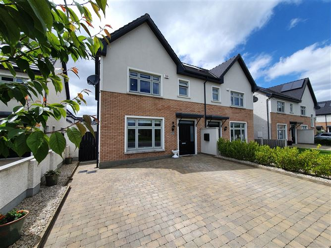 Main image for 5 The Lawn, Janeville, Cork Road,, Carrigaline, Cork