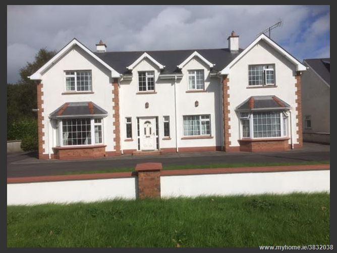 Photo of At Circular Road, Roscommon, Roscommon