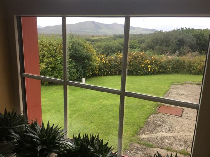 """Main image for Country living at its best, """"Cahirciveen"""