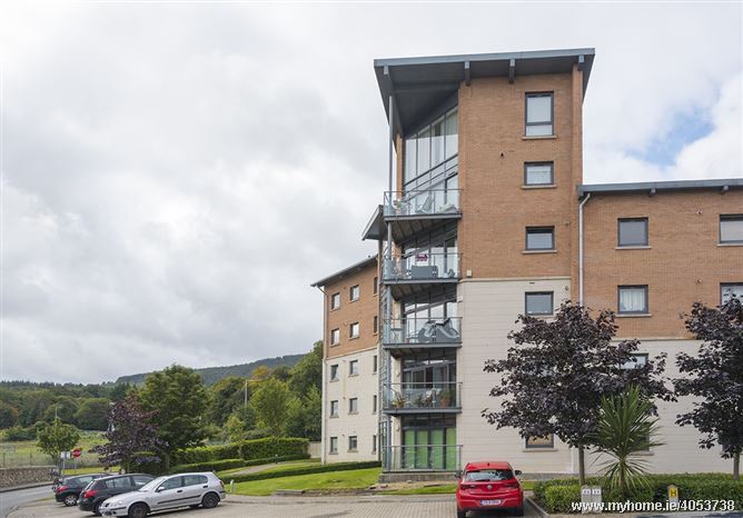305 The Hill Clon Brugh, Sandyford,   Dublin 18