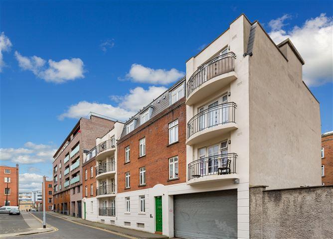 Main image for Apartment 24 The Court, Henrietta Place, North City Centre, Dublin 1