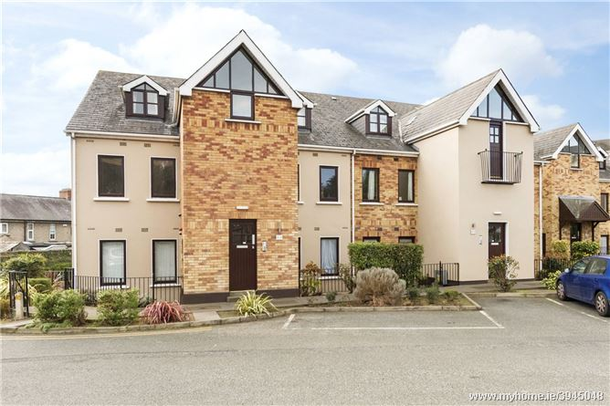 18 Village Court, Rathfarnham, Dublin 14