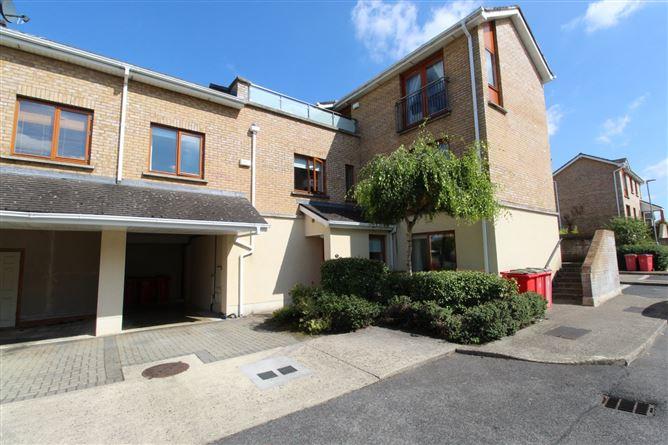 Main image for 9 Annfield Drive, Castleknock, Dublin 15
