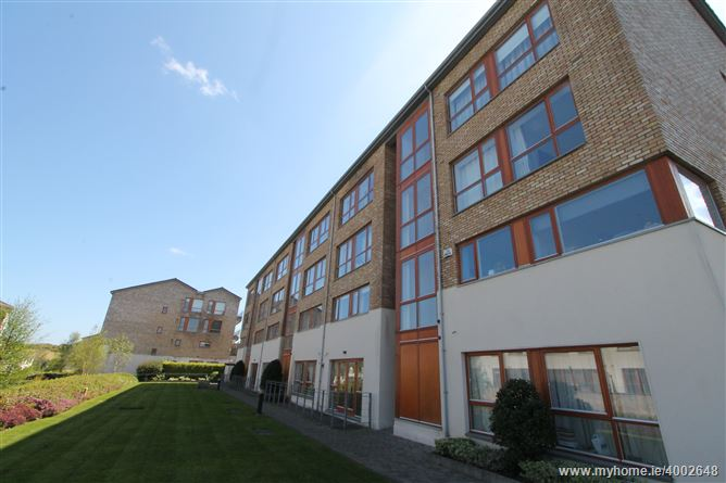 Apt. 17, Woodside Hall, Ticknock Hill