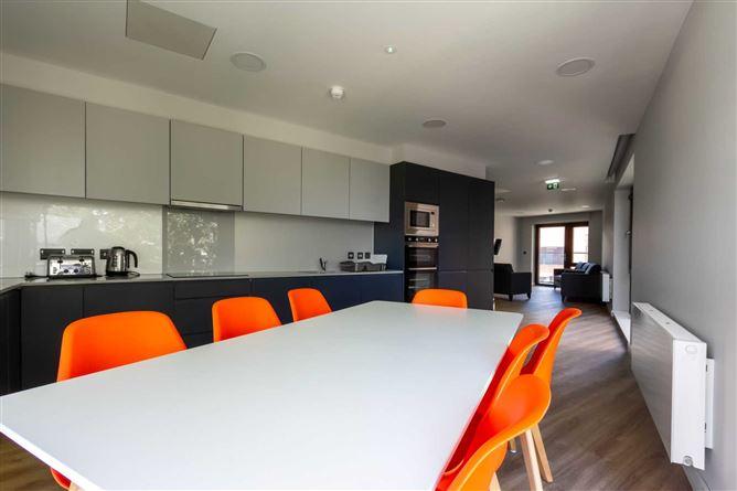 Main image for Classic en suite plus (top floor), Highfield House, Marne Villas, Grangegorman
