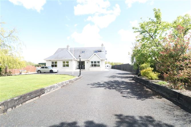 Main image for 'Hollydale', New Road, Allenwood, Kildare, W91 CV67