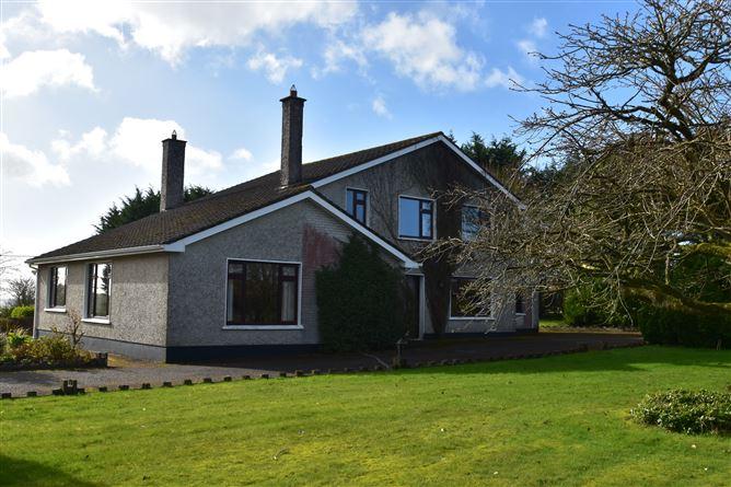 Main image for Briar Hill House, Briar Hill, Waterfall, Cork