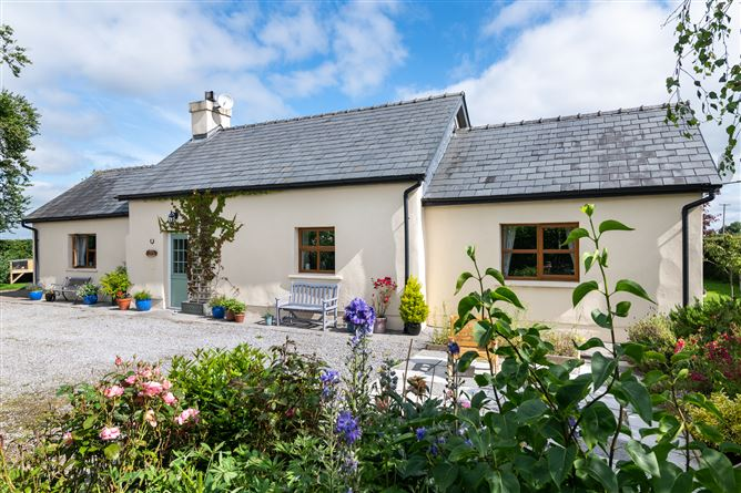 Main image for Sweetpea Cottage, Lismacrory, Ballingarry, Co. Tipperary