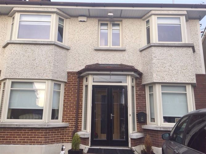 Main image for ** Females Only Please ** 20 Minutes to City Centre, Dublin