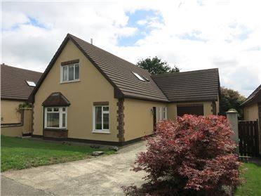 22 Woodland Grove, New Ross, Wexford