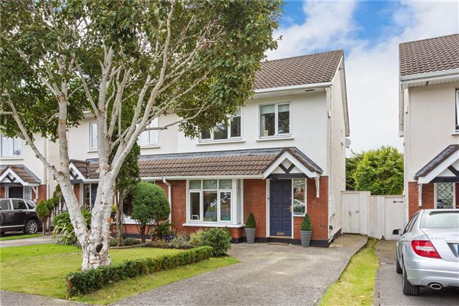 Main image for 35 Glencairn Walk, The Gallops, Leopardstown, Dublin 18, D18 R9X6