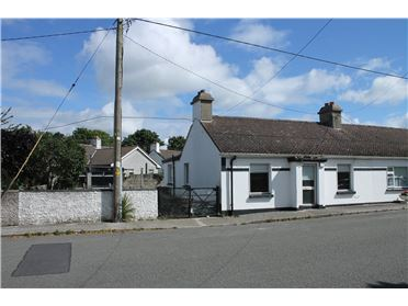 Main image of 33 The Bawn Cottages, The Hill, Malahide, Co. Dublin