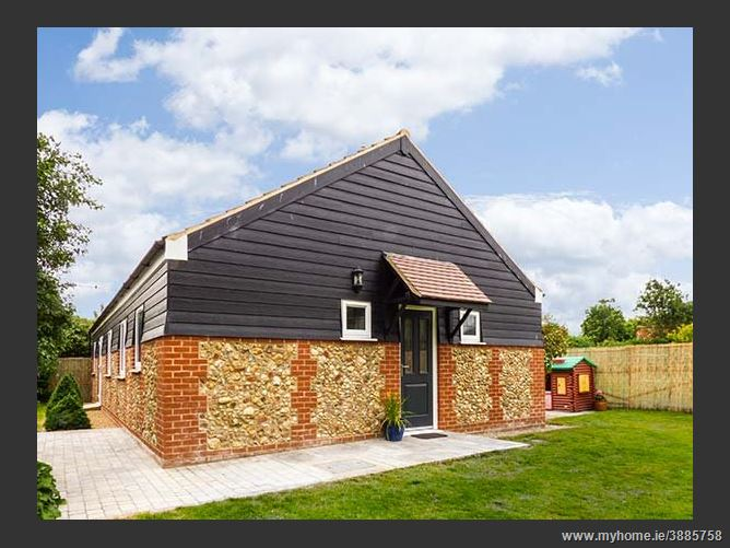 Main image for The Meadows Cottage,Billingford, Norfolk, United Kingdom