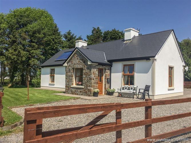 Main image for Cloonkee Cottage,Cloonkee Cottage, Cloonkee, Crossmolina, Co Mayo, F26KN59, Ireland