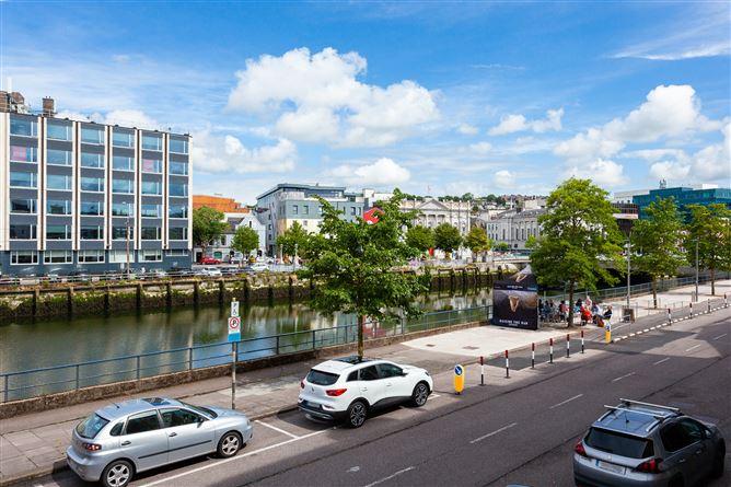 Main image for 102 Bruach na Laoi, Union Quay, Cork City, Cork