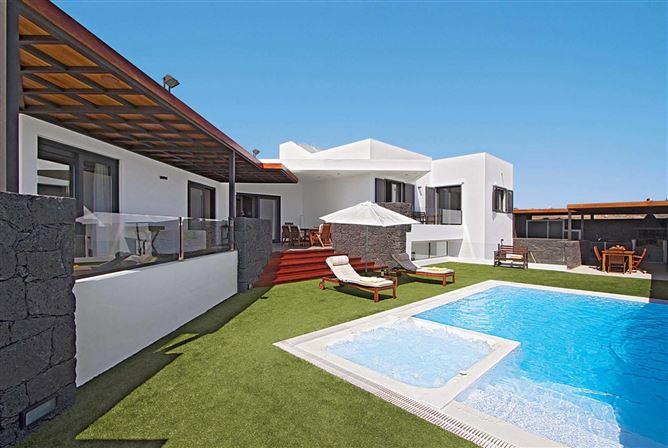 Main image for Carlota,Puerto Calero,Lanzarote,Spain