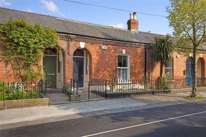 35 Greenville Terrace, South Circular Road, Dublin 8, D08R8X8