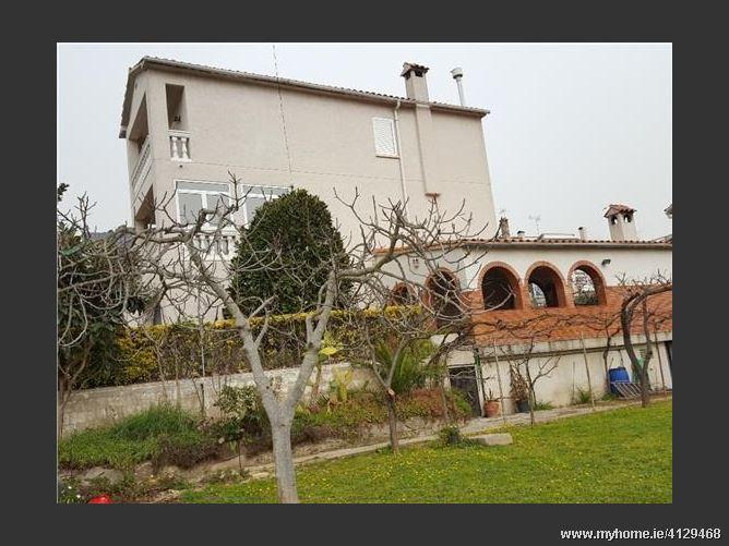 Avenida, 08105, Sant Fost de Campsentelles, Spain