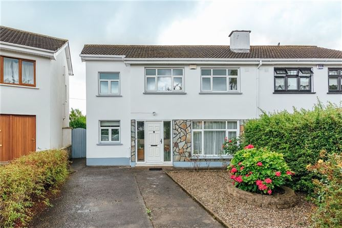 Main image for 16 Woodside Park, Naas, Co Kildare