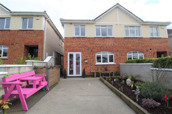 Main image for 25 Woodlands Avenue, Arklow, Wicklow