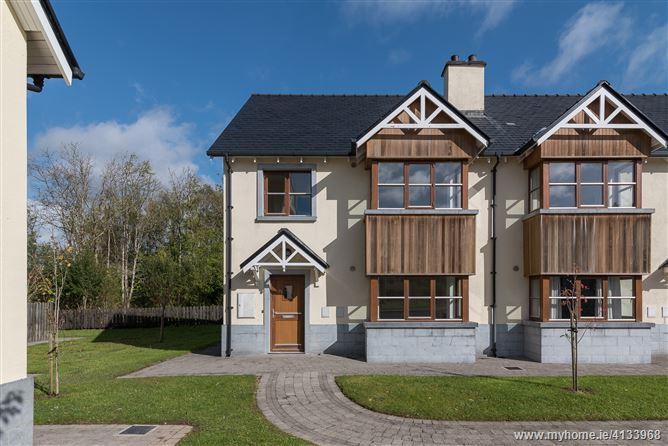 27 O'Carolan's Court, Ballyfarnon, Roscommon