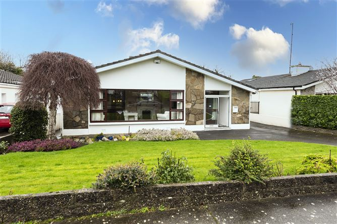 Main image for 27 Knocksinna Crescent, Foxrock, Dublin 18