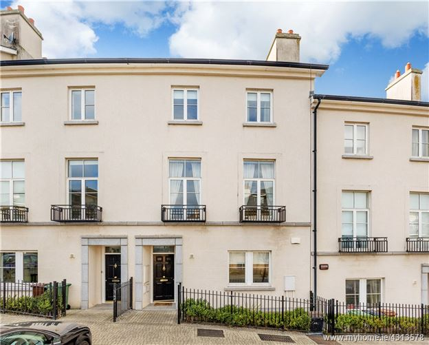 20 The Crescent, Robswall, Malahide, Co Dublin K36 EY15