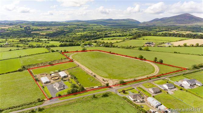 C 14 acres equestrian property, Lismore, Waterford