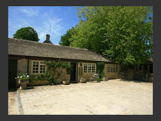 Main image for Foxhill Farm Barn, BOURTON-ON-THE-WATER, United Kingdom