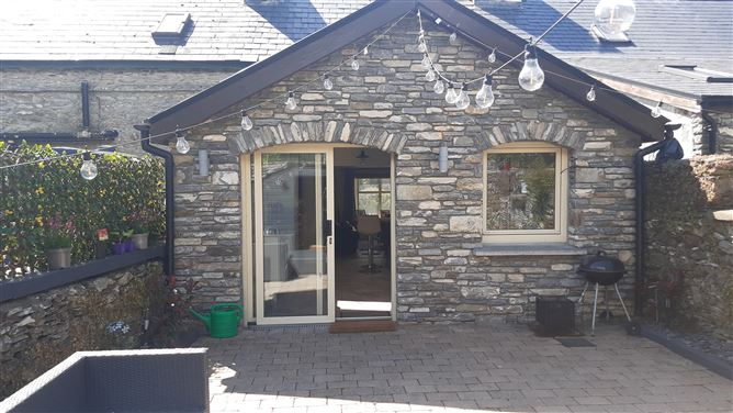 Main image for Cottage No.2 Crossroads, Kenmare, Kerry, V93KD23