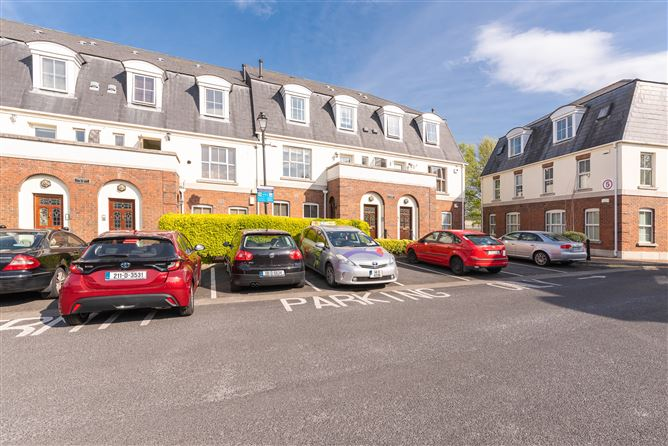 Main image for 10 Le Brett Terrace, Rathfarnham, Dublin 14, D14 PN77