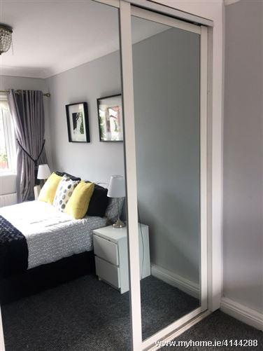 3 bedroom terrace Dutch Village, Clondalkin, Dublin 22