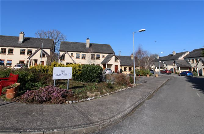 29 The Lakes Retirement Village, Hill Road, Killaloe, Clare