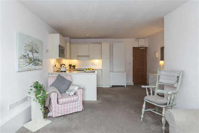 Main image for Apartment 4, Herbert House  22 Pembroke Road, Ballsbridge, Dublin 4, D04 C8P7