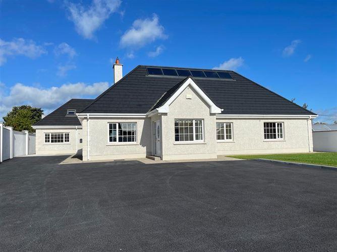 Main image for Moyne House, Kingsgate, Duleek, Meath