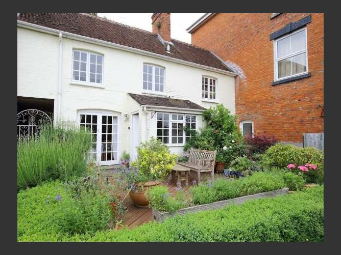 Main image for The Mews Cottage, TISBURY, NEAR BATH, United Kingdom