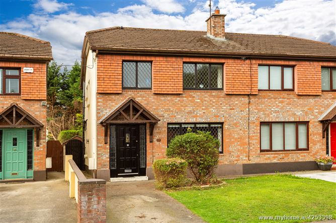 24 Mount Eagle Grove, Leopardstown, Dublin 18