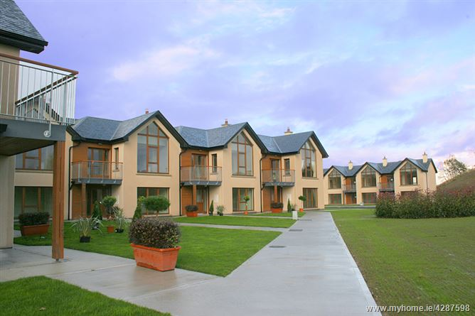 20 Lios Na Coille, Esker Hills, Tullamore, Offaly