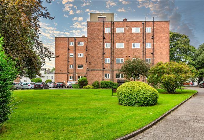 Main image for Maple House, Mespil Estate, Ballsbridge, Dublin 4