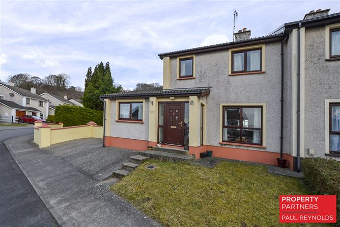 26 Oaklands Park, Letterkenny, Donegal