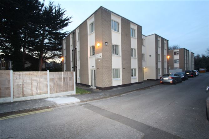 Main image for 2 Mobhi Court, Glasnevin, Dublin 11