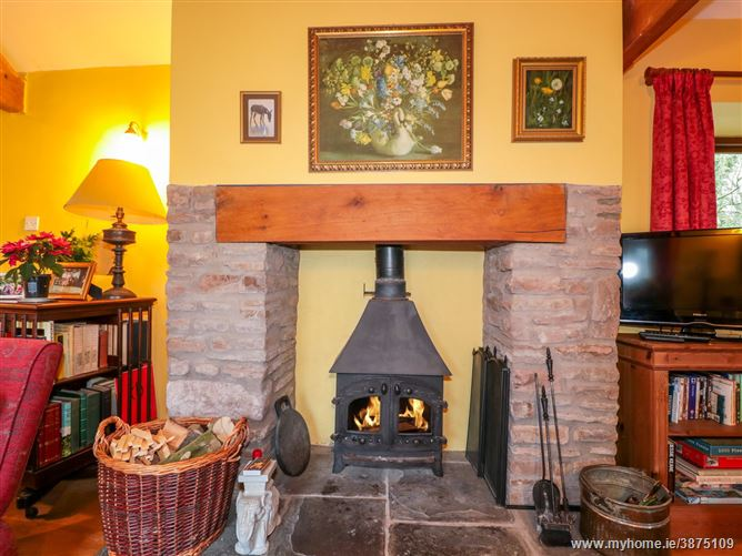 Main image for Healer's Cottage Pet,Hoarwithy, Herefordshire, United Kingdom
