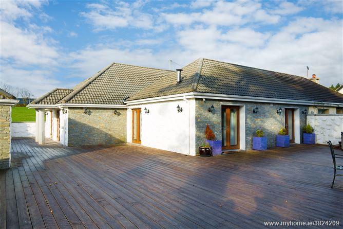 Lakeside Cottage, Mullinaveigue, Roundwood, Wicklow
