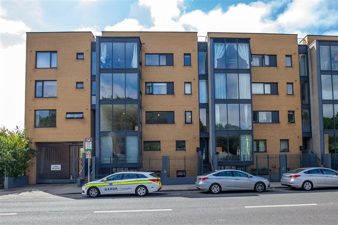 Main image for Apartment 10 Longmeadows, Conyngham Road, Islandbridge, Dublin