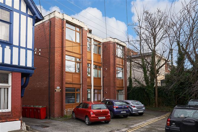 Main image for Apartment 4 Charleston Heights, 20 Charleston Avenue, Ranelagh, Dublin 6
